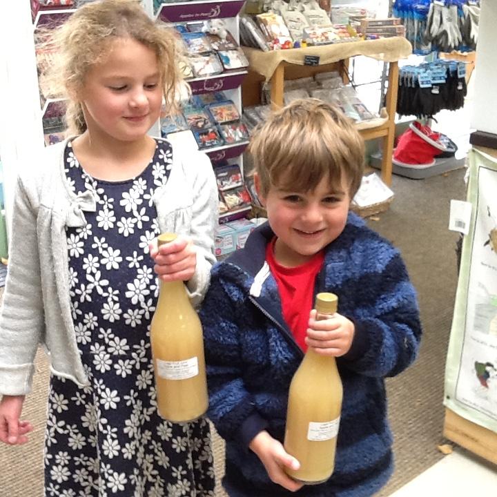 children with Logie apple juice