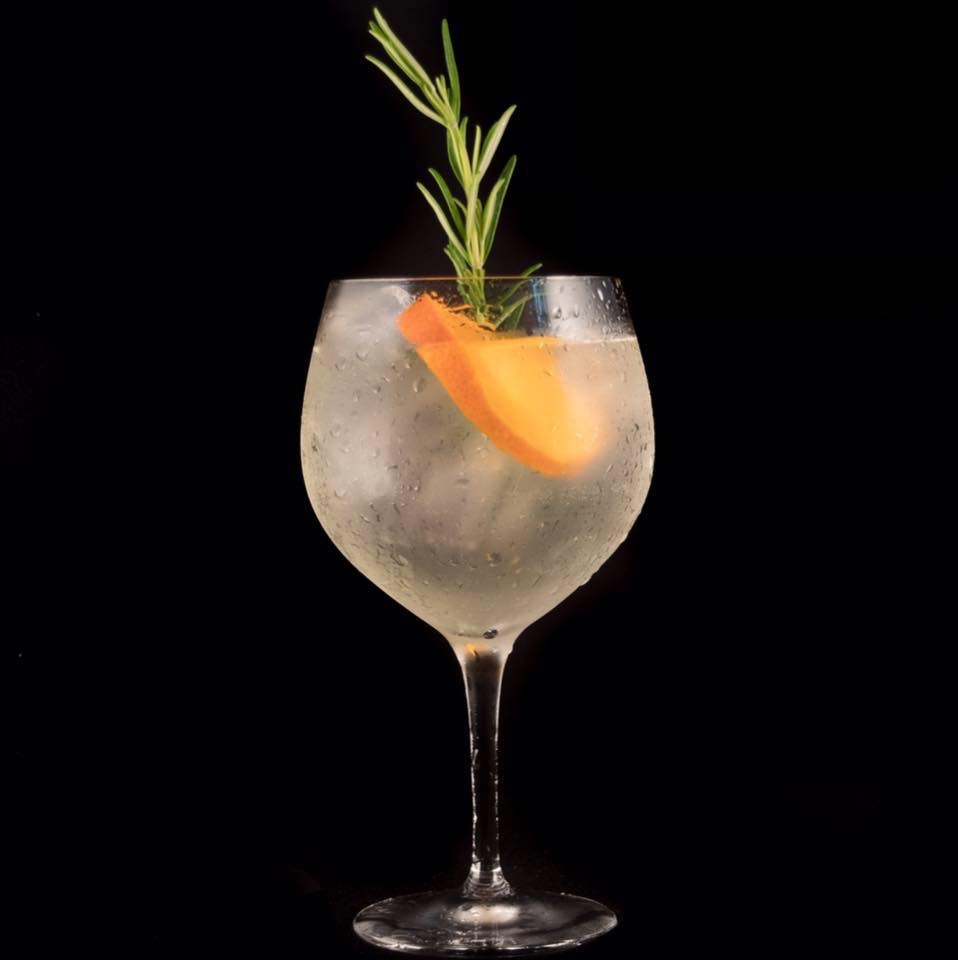 Duncans gin and tonic