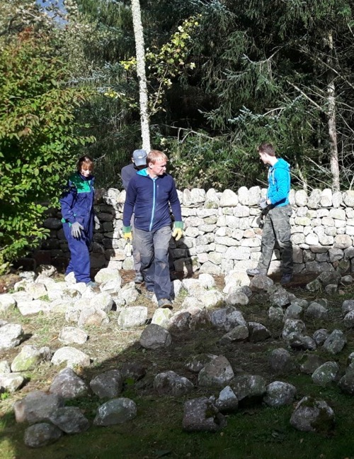 drystone wall course with ewen manson